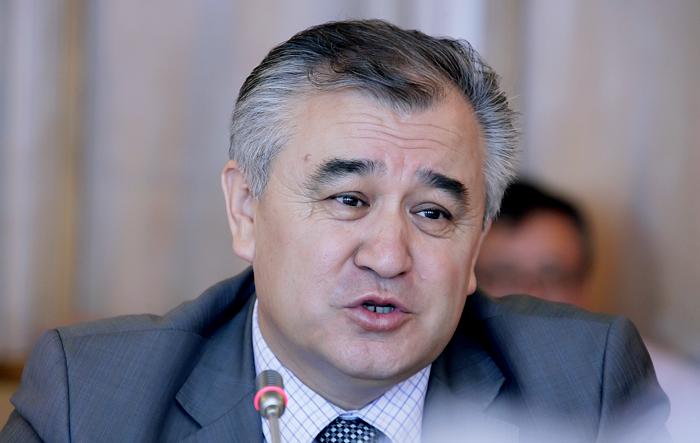 Лидер фракции Ата Мекен Омурбек Текебаев обвинил Национальный б